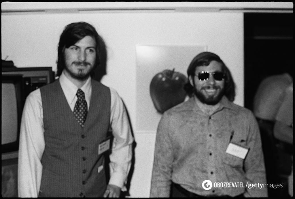Стив Джобс и Стив Возняк в 1977 году