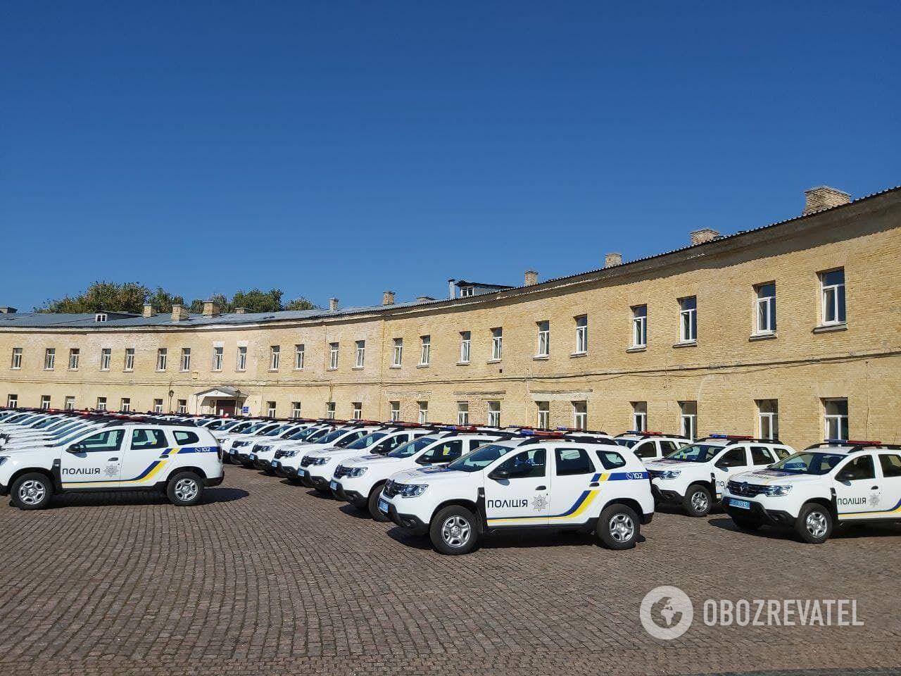 Полицейским передадут новые автомобили.