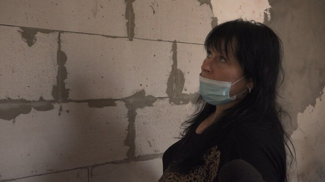"""Блоки для """"перепланування"""" вони без зайвої скромності взяли в підвалі будинку: господар зберігав їх там для завершення будівництва"""