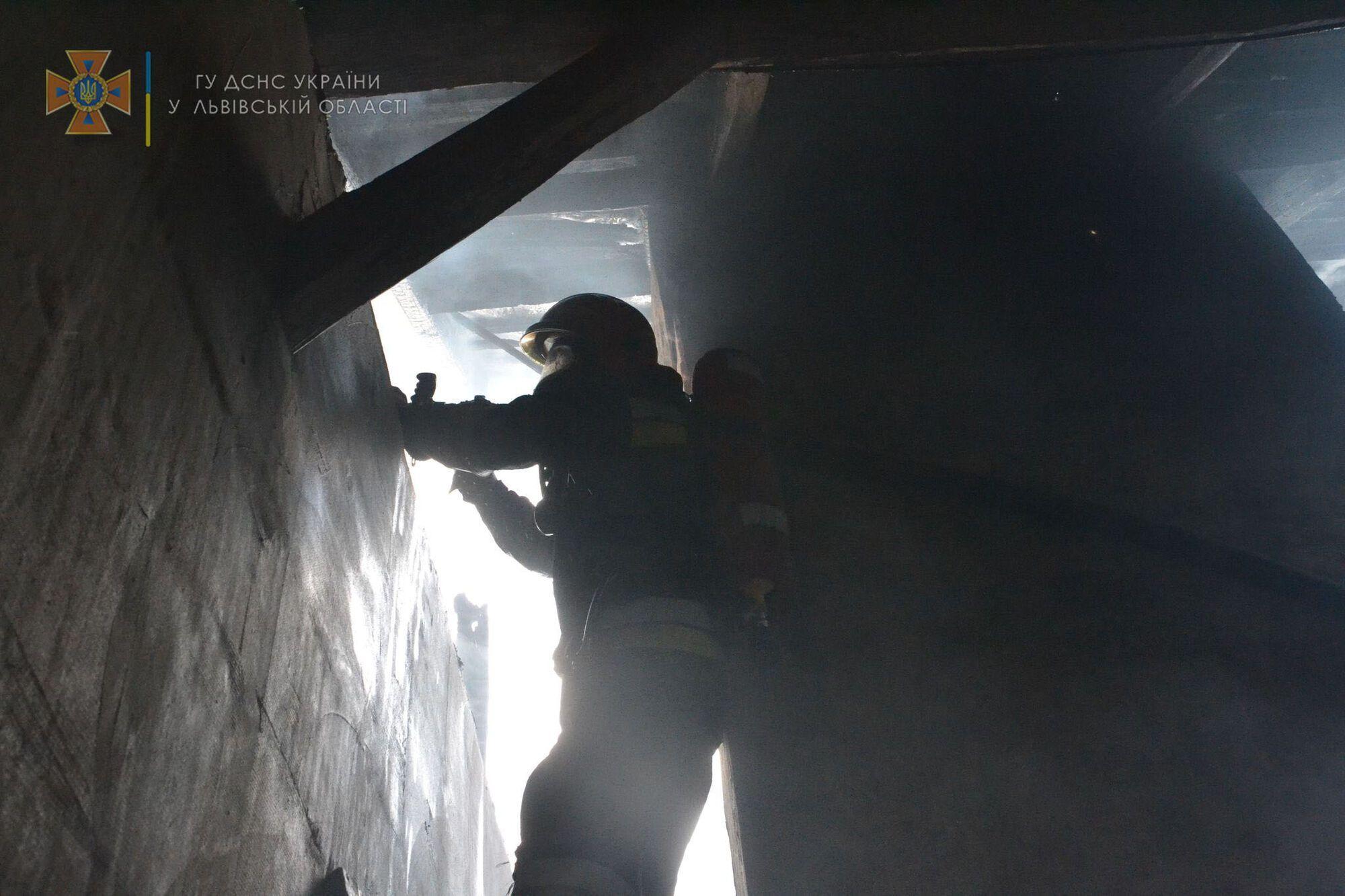 Рятувальники потрапили в приміщення, де сталася пожежа