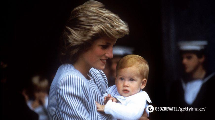 Принц Гаррі з мамою