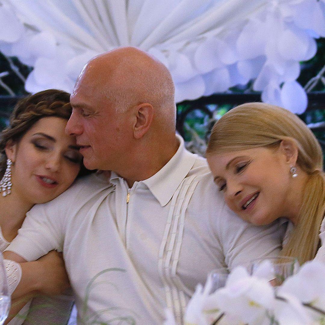 Фото, которое Тимошенко публиковала в день семьи. Слева на снимке – дочь пары Евгения