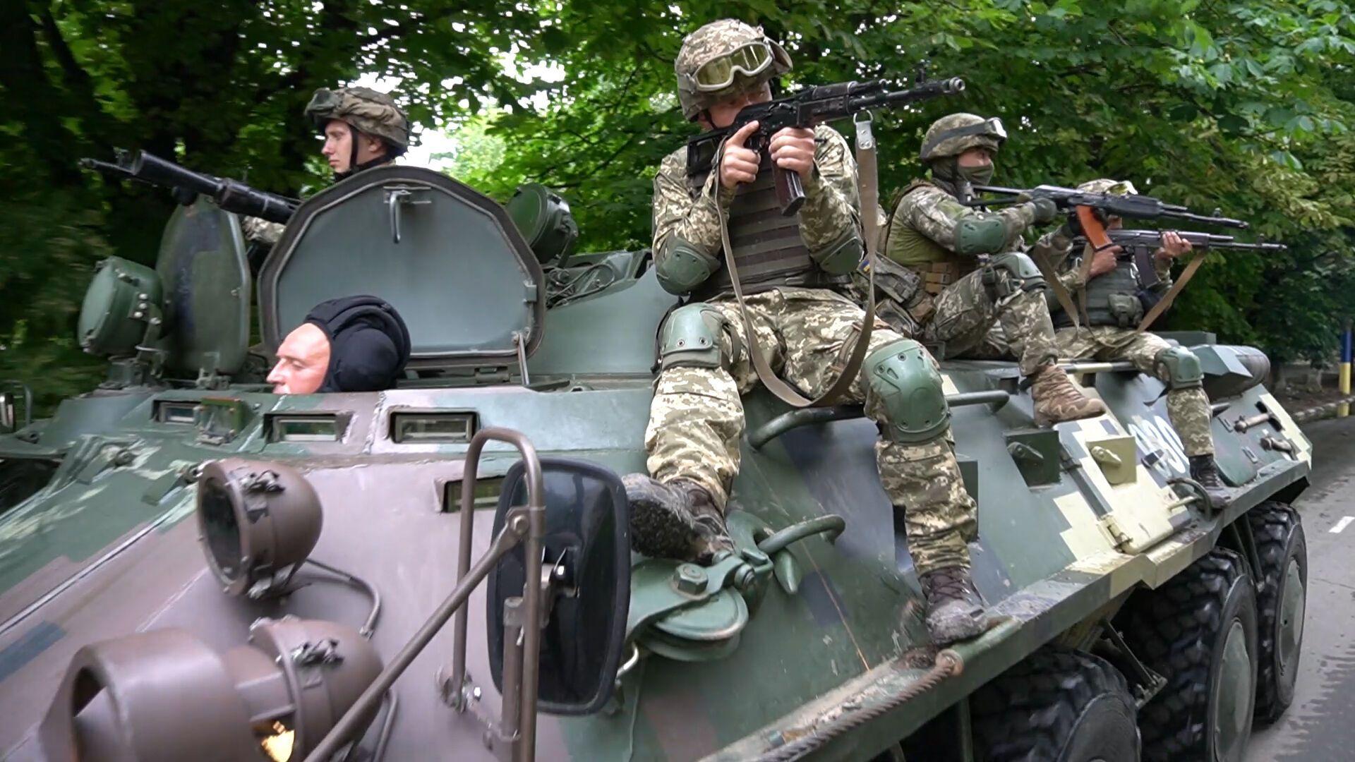 Украинские военные на учениях