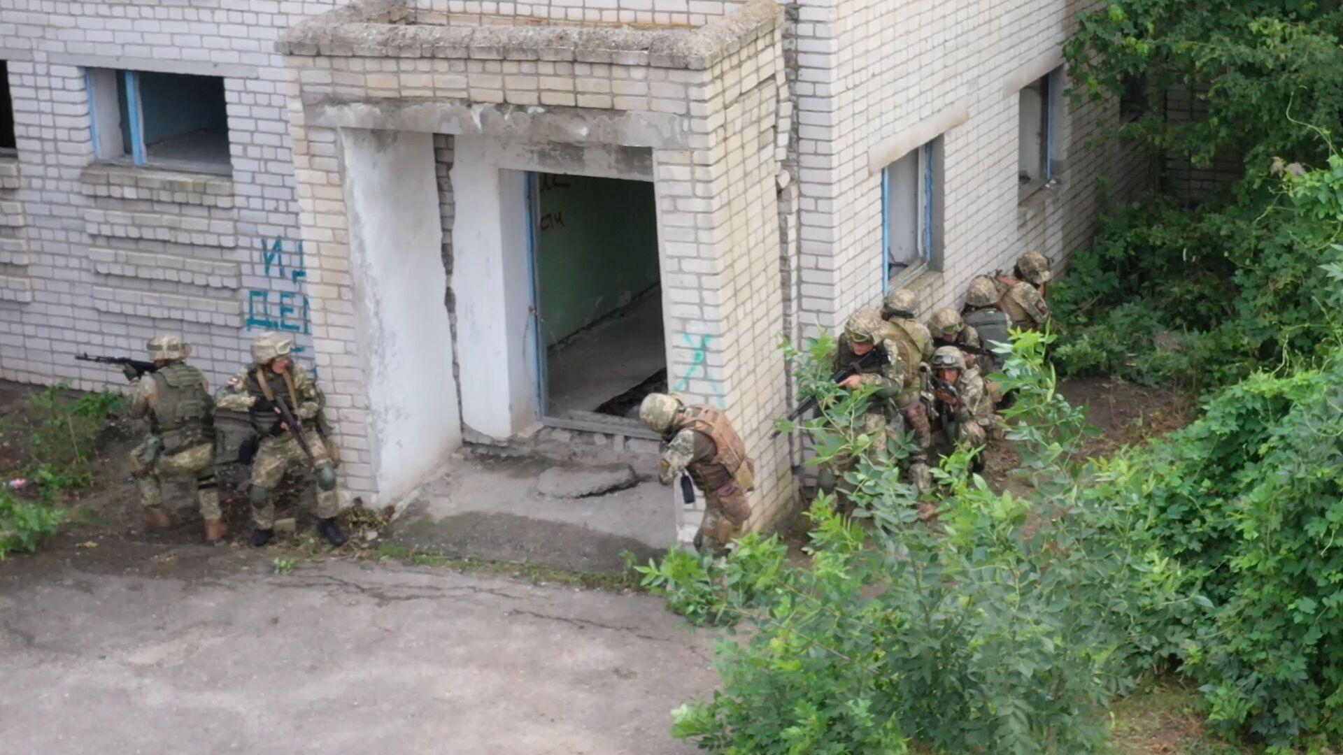 Бойцы ВСУ провели учения около Крыма