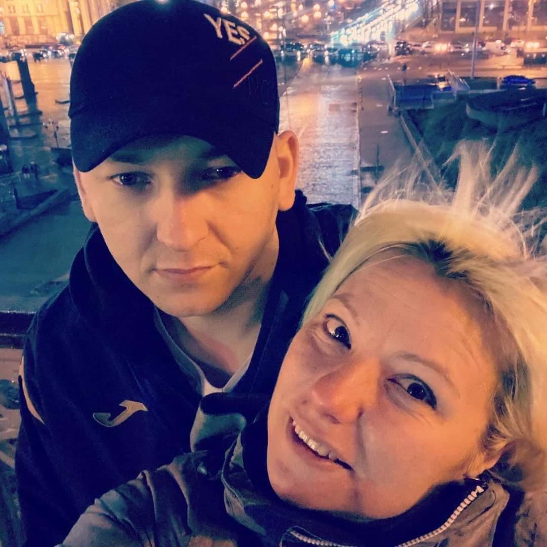 Иван и Людмила Деевы после того, как Ивана выписали из госпиталя, где он провел год.
