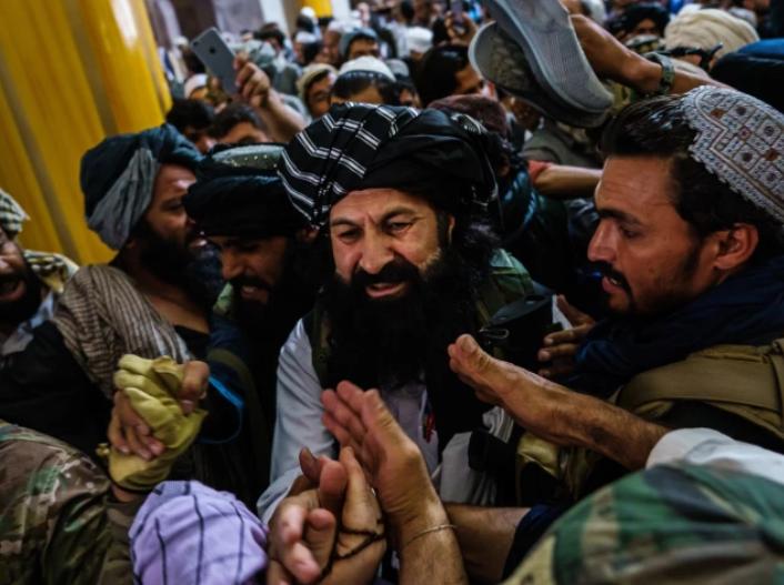 Халил ар-Рахман Хаккани, министр по делам беженцев талибов.