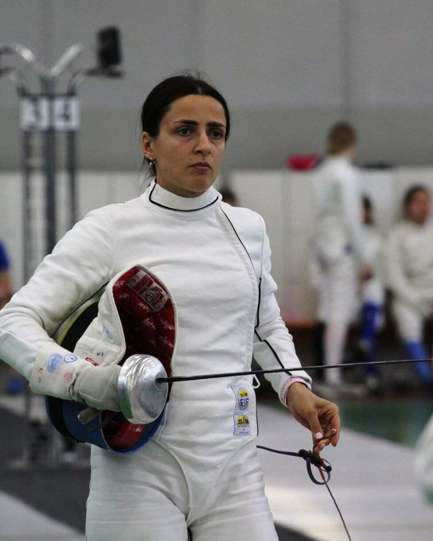 Яна Шемякіна на змаганнях.