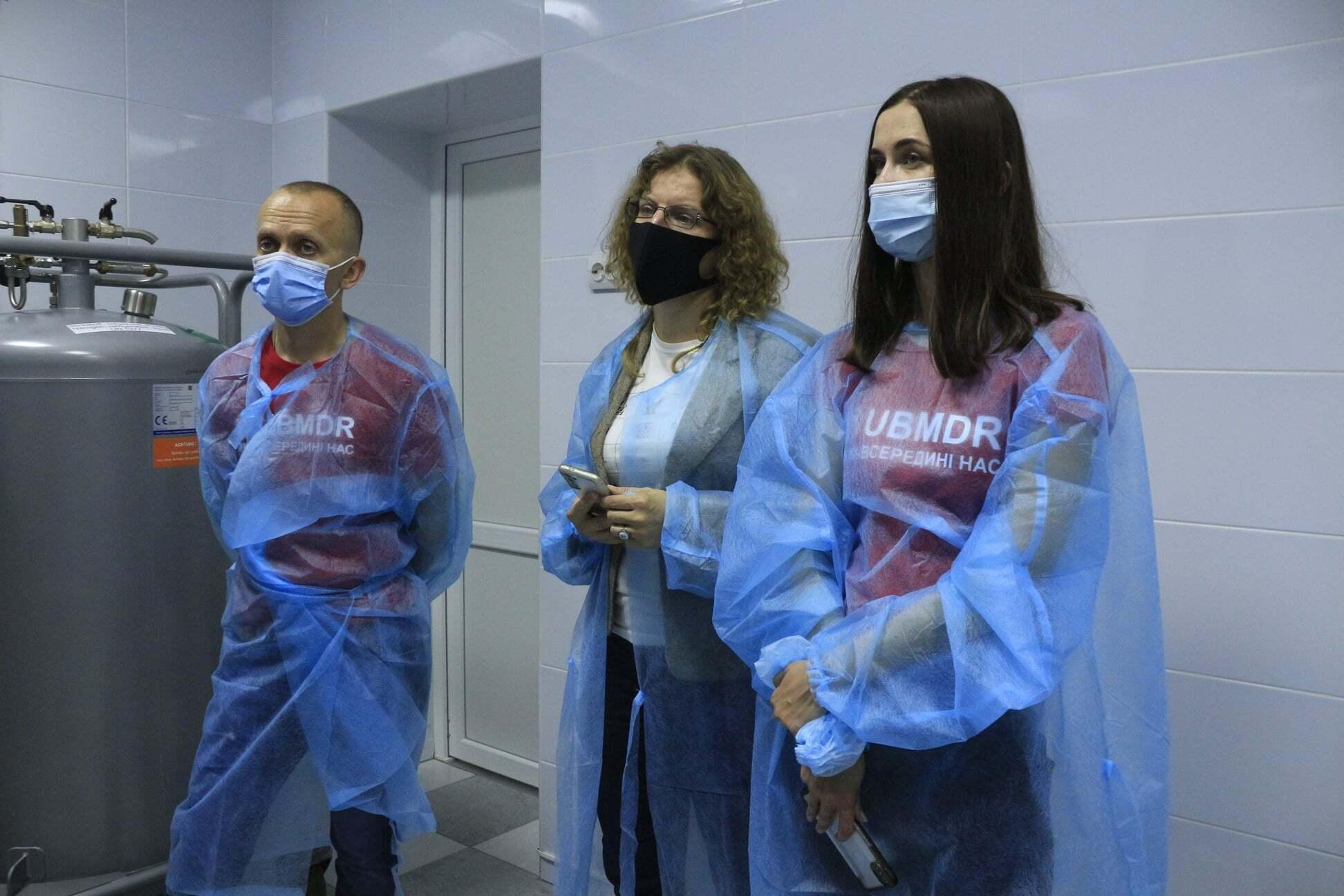 Медики и ассистенты .