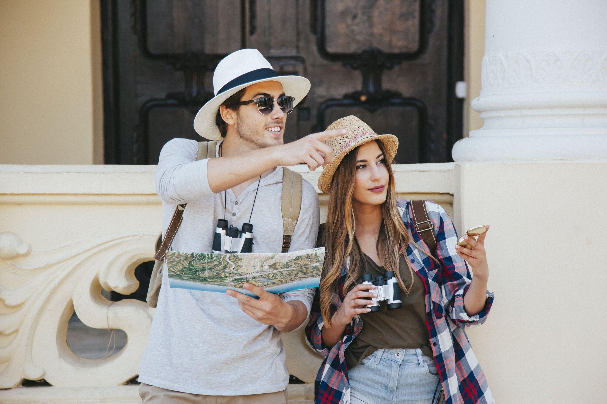 У мандрівці допомагають як онлайн-, так і офлайн-карти.