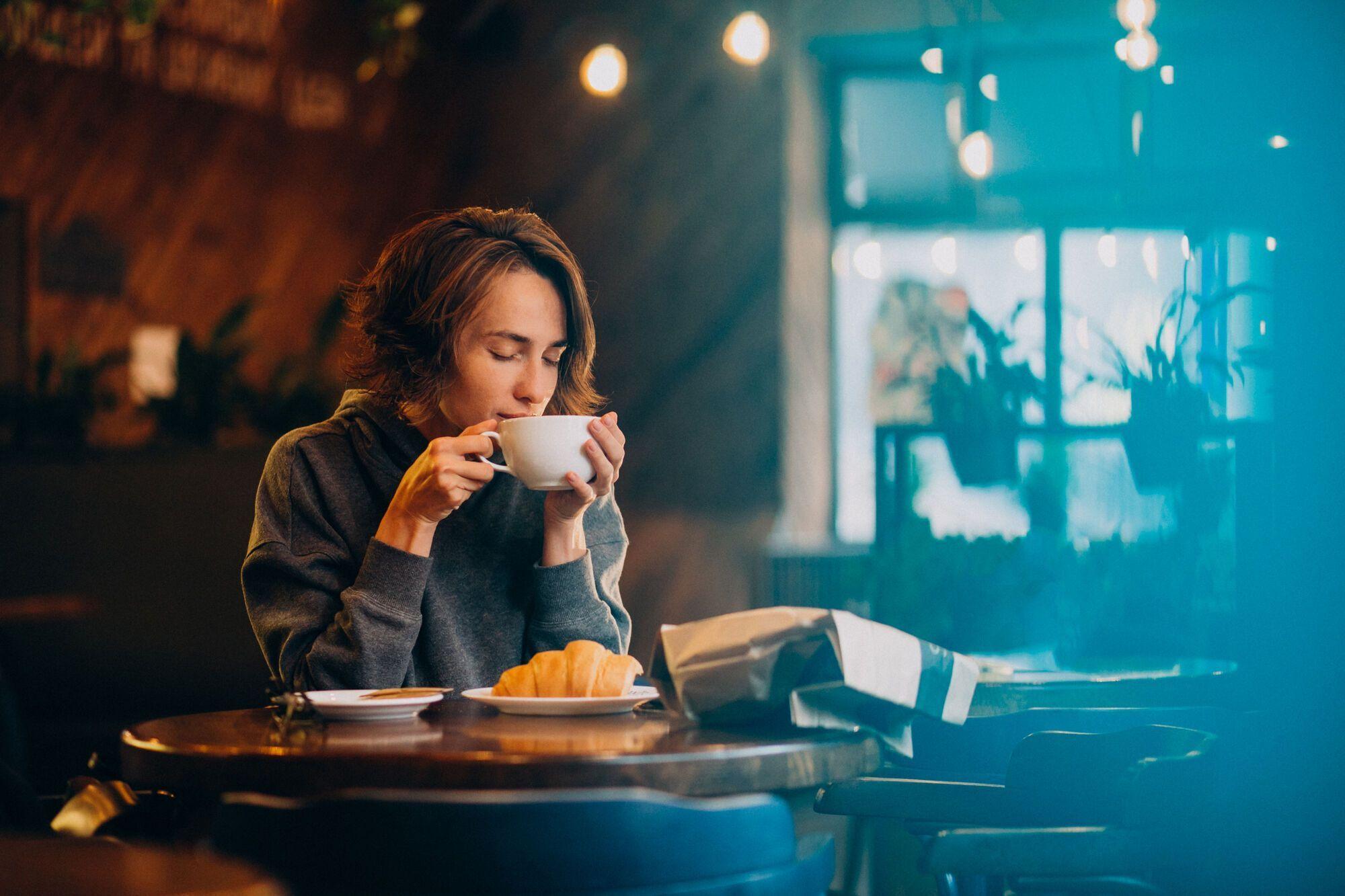 В мобильных приложениях удобно искать кафе, рестораны.