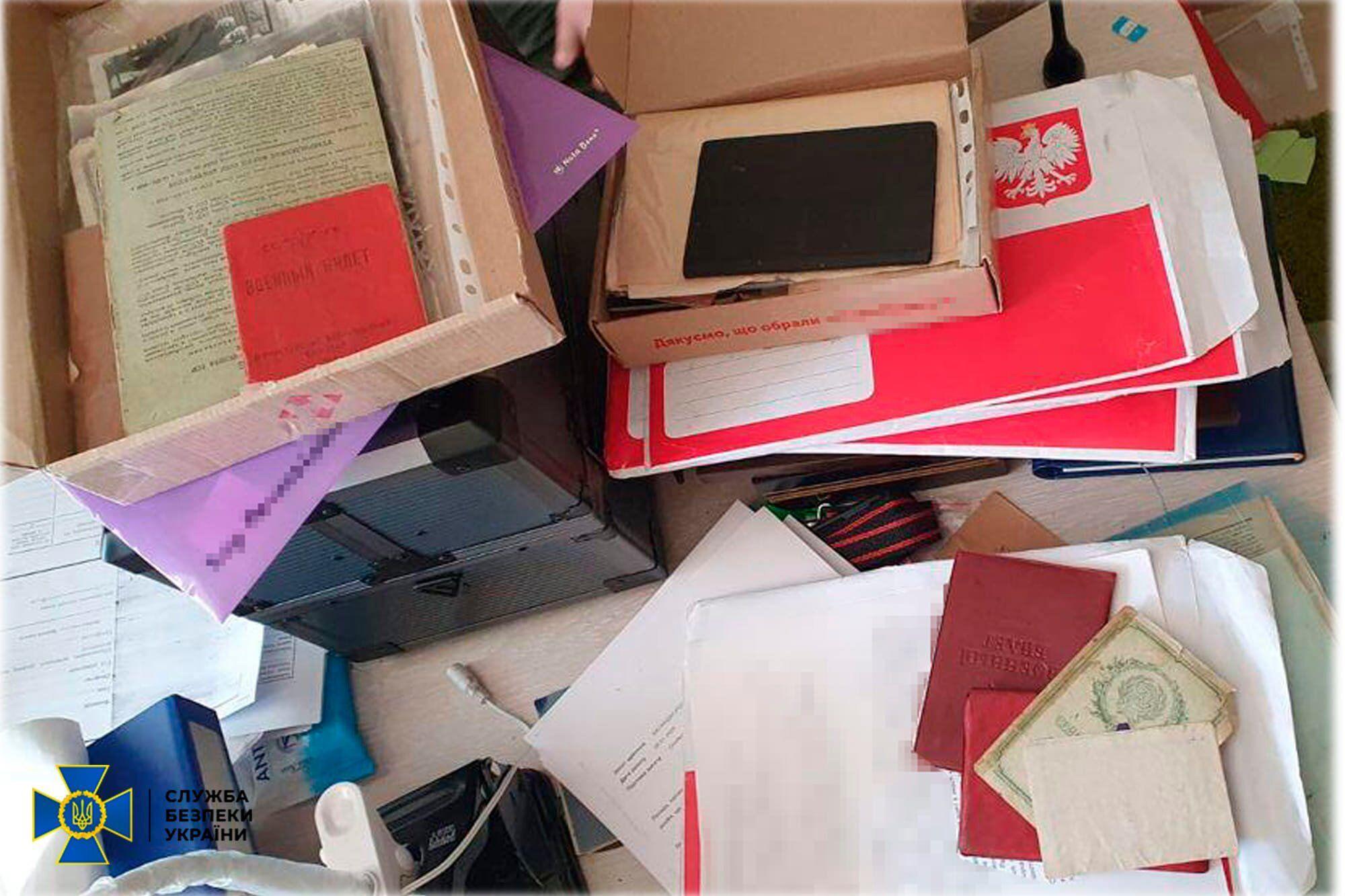 В Украине злоумышленники продавали поддельные документы