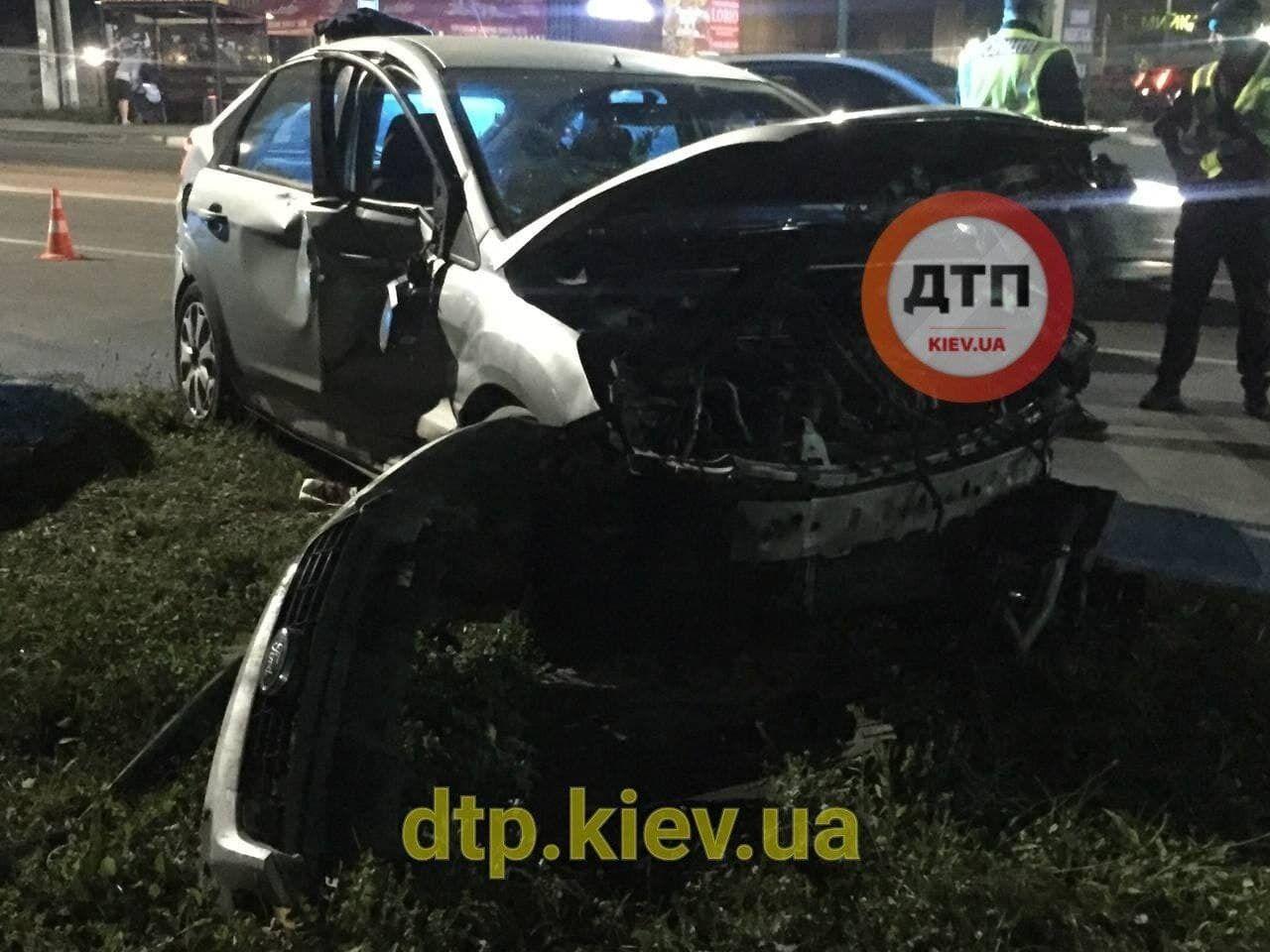 Деякі транспортні засоби серйозно постраждали
