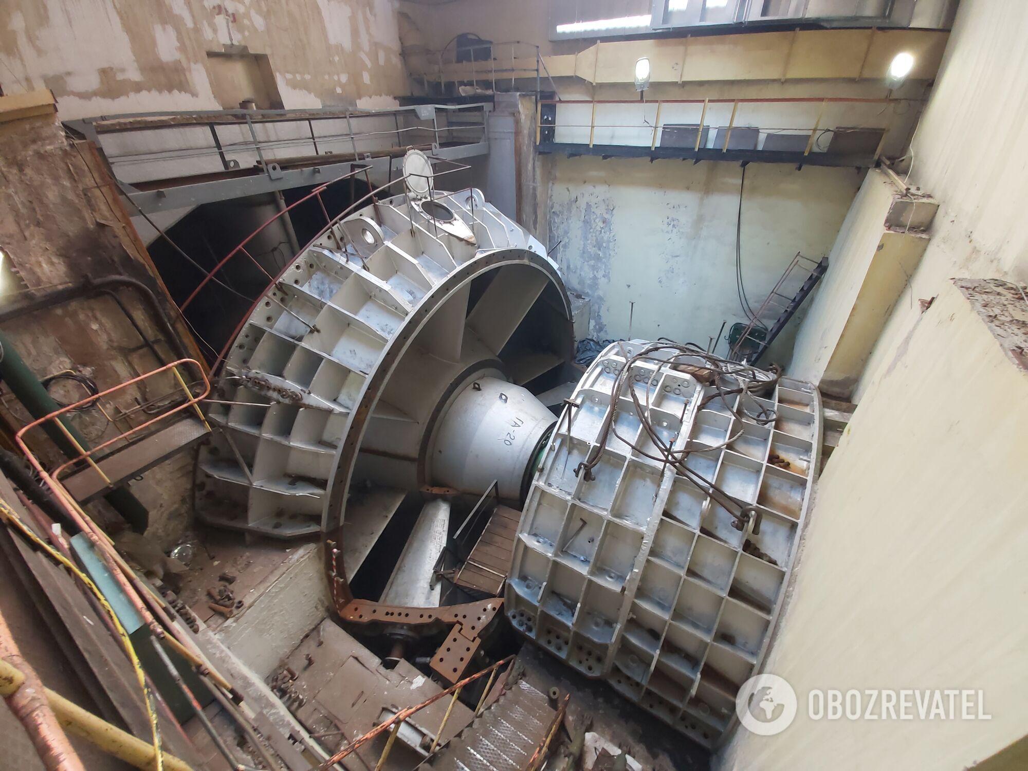 Турбіна Канівської гідроелектростанції на ремонті