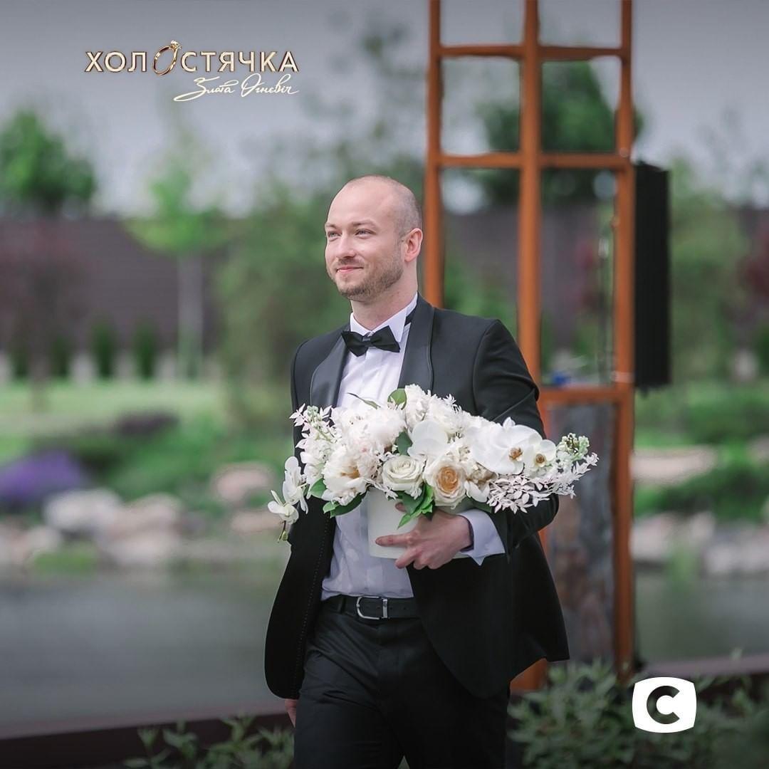 """Первый участник Богдан удивил """"холостячку"""" и прилетел на вертолете"""