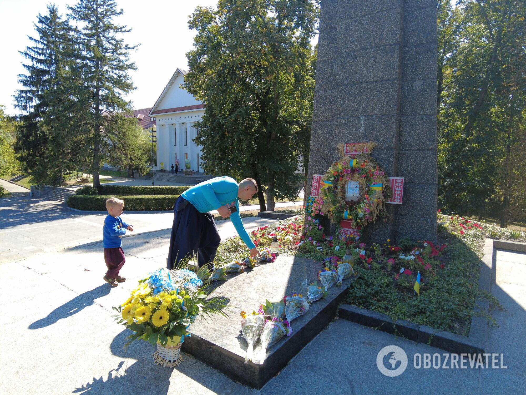 Могила Тараса Шевченка на Чернечій горі у Каневі