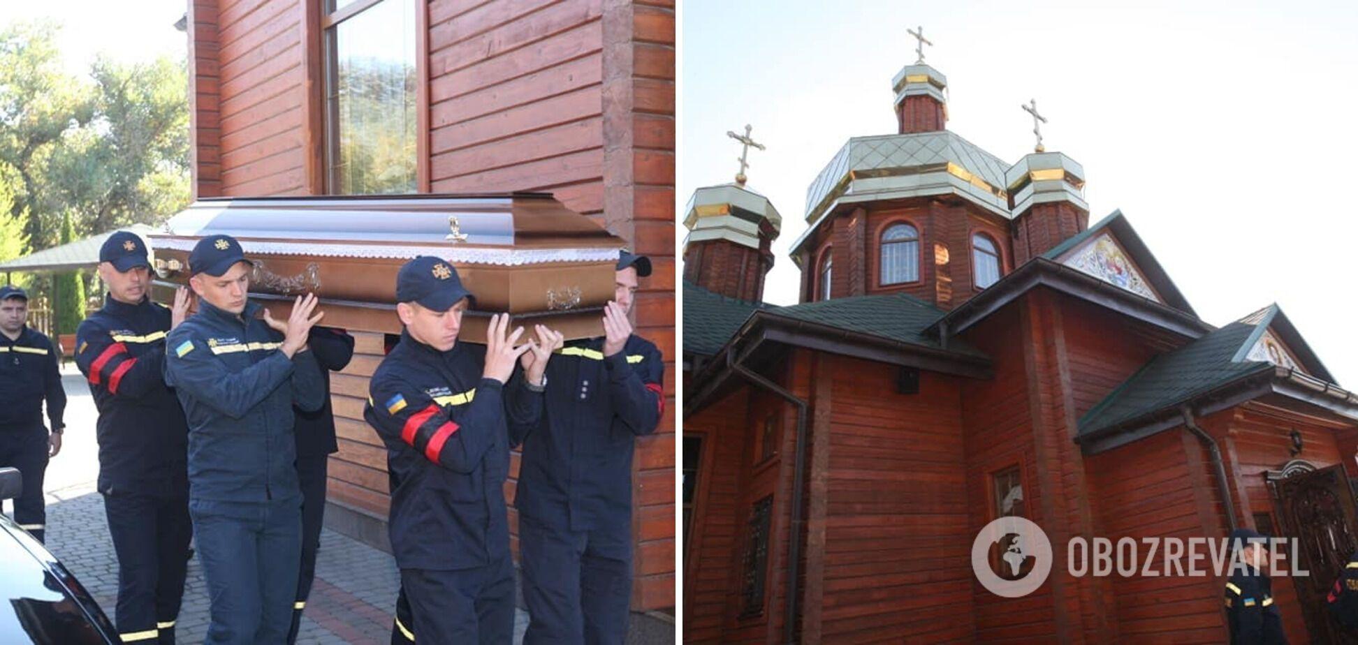 Прощались с погибшей в Храме Рождества Пресвятой Богородицы