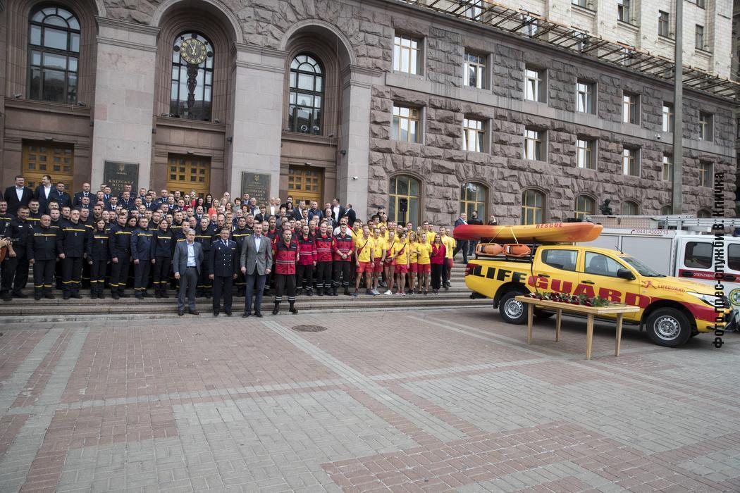 Щодоби київські рятувальники здійснюють понад 40 виїздів різної складності