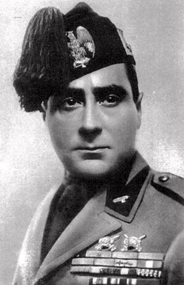 Акілле Стараче, секретар Великої фашистської ради у 1931-1939 роках
