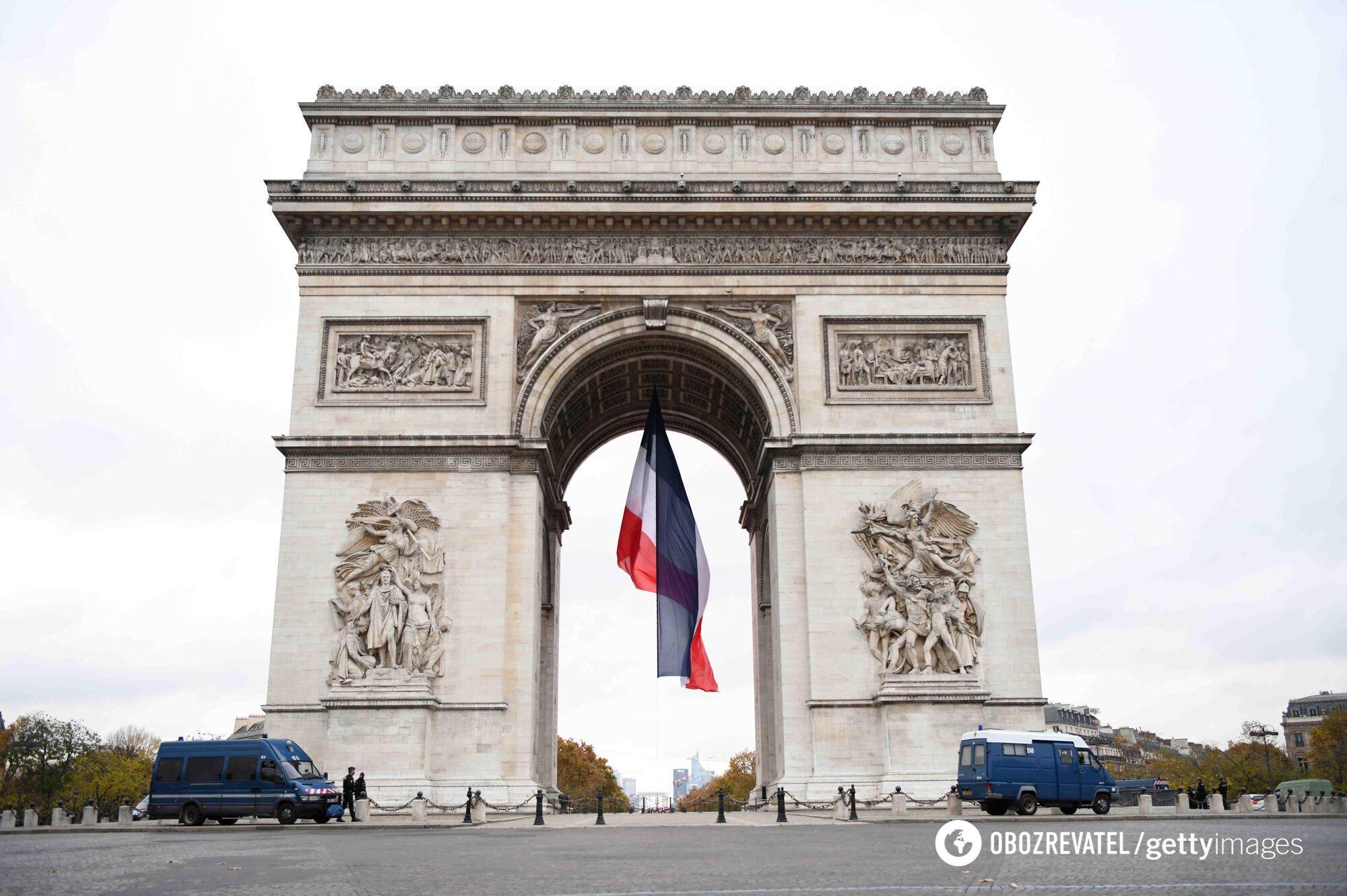 Так обычно выглядит Триумфальная арка.
