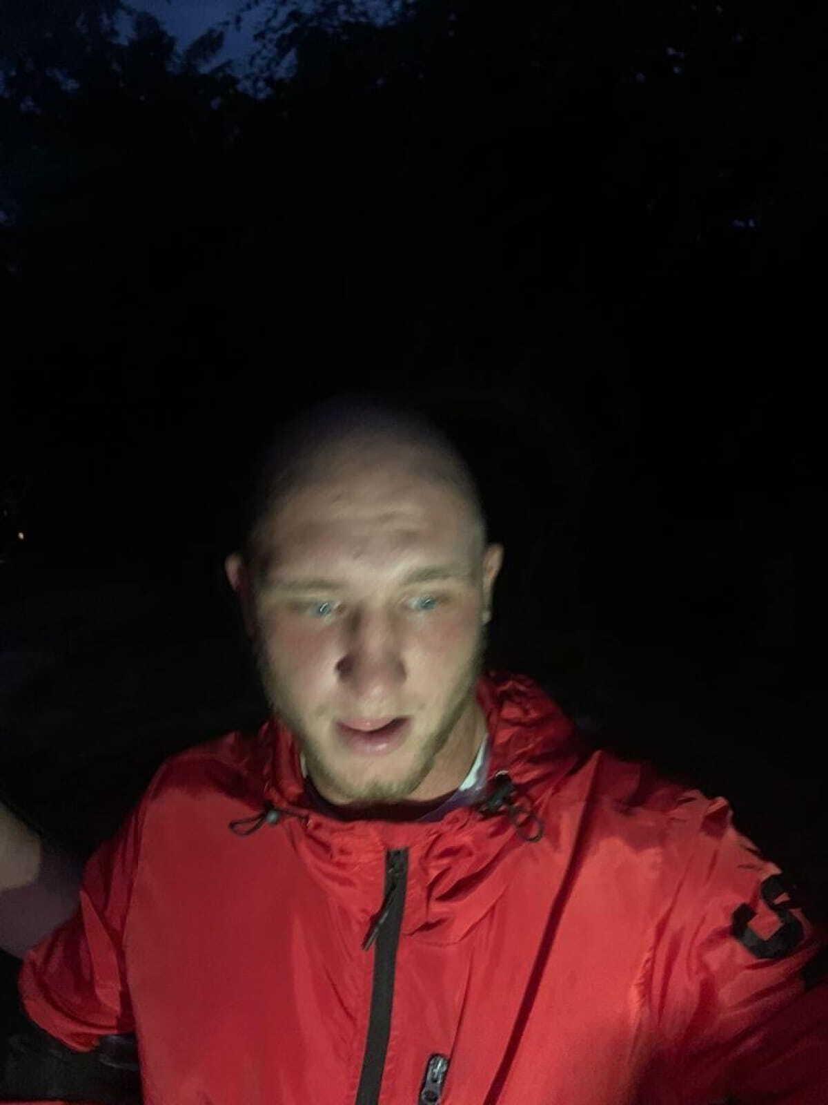 Андрей Махно, которого задержали с ножом и отпустили из полиции