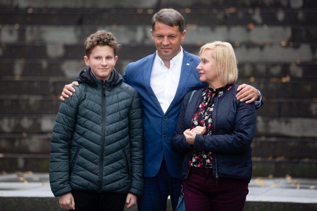Поддержать экс-узника Кремля приехали его жена и сын