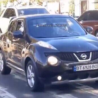 """Автомобіль """"Nissan"""" збив жінку з маленькою дитиною."""
