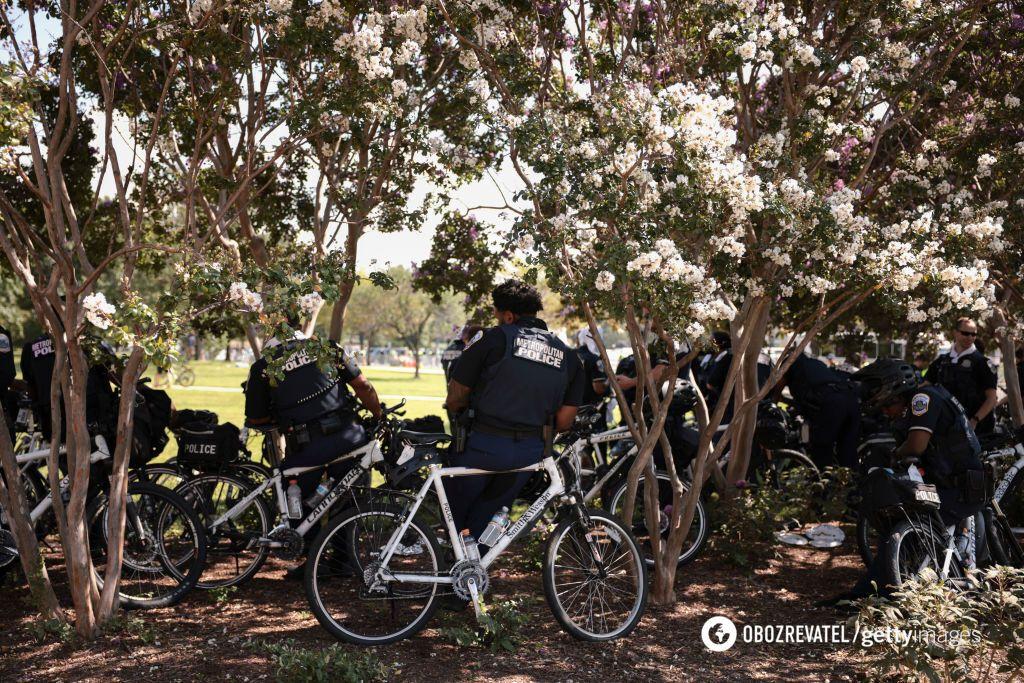 Американские полицейские на велосипедах