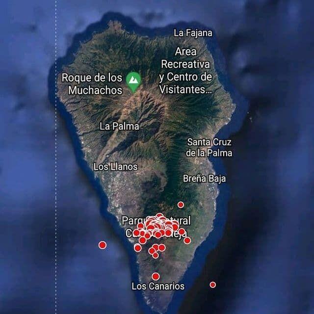 На острове Ла-Пальма извергается вулкан
