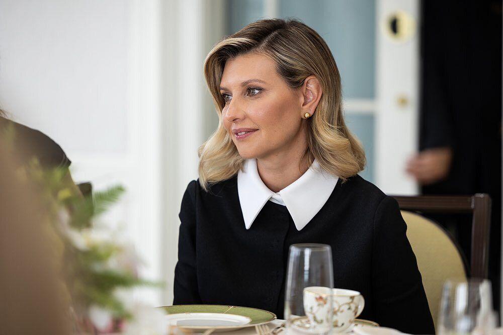 Елена Зеленская сделала аккуратную укладку