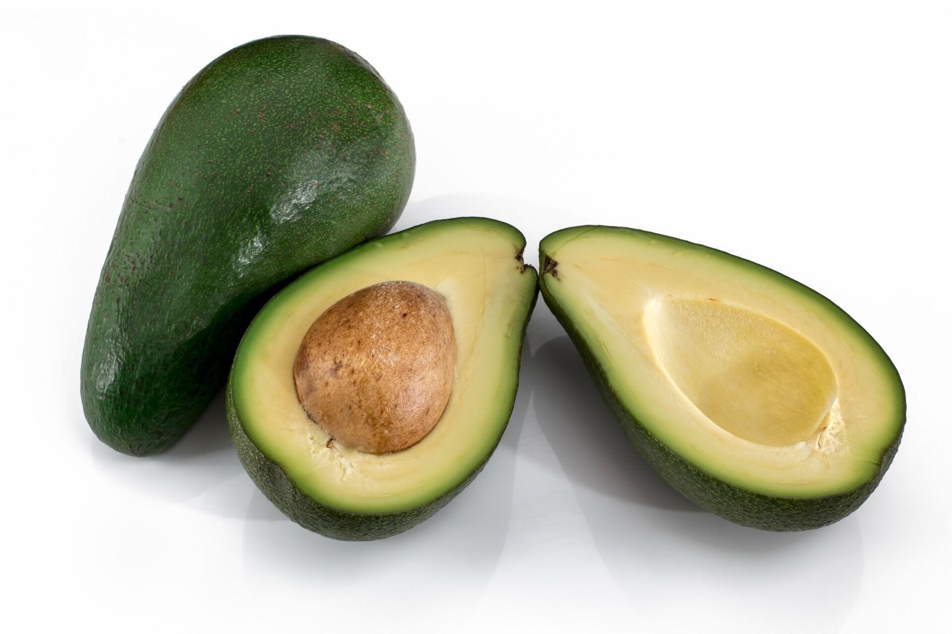 Дієтологи розповіли про користь і шкоду авокадо