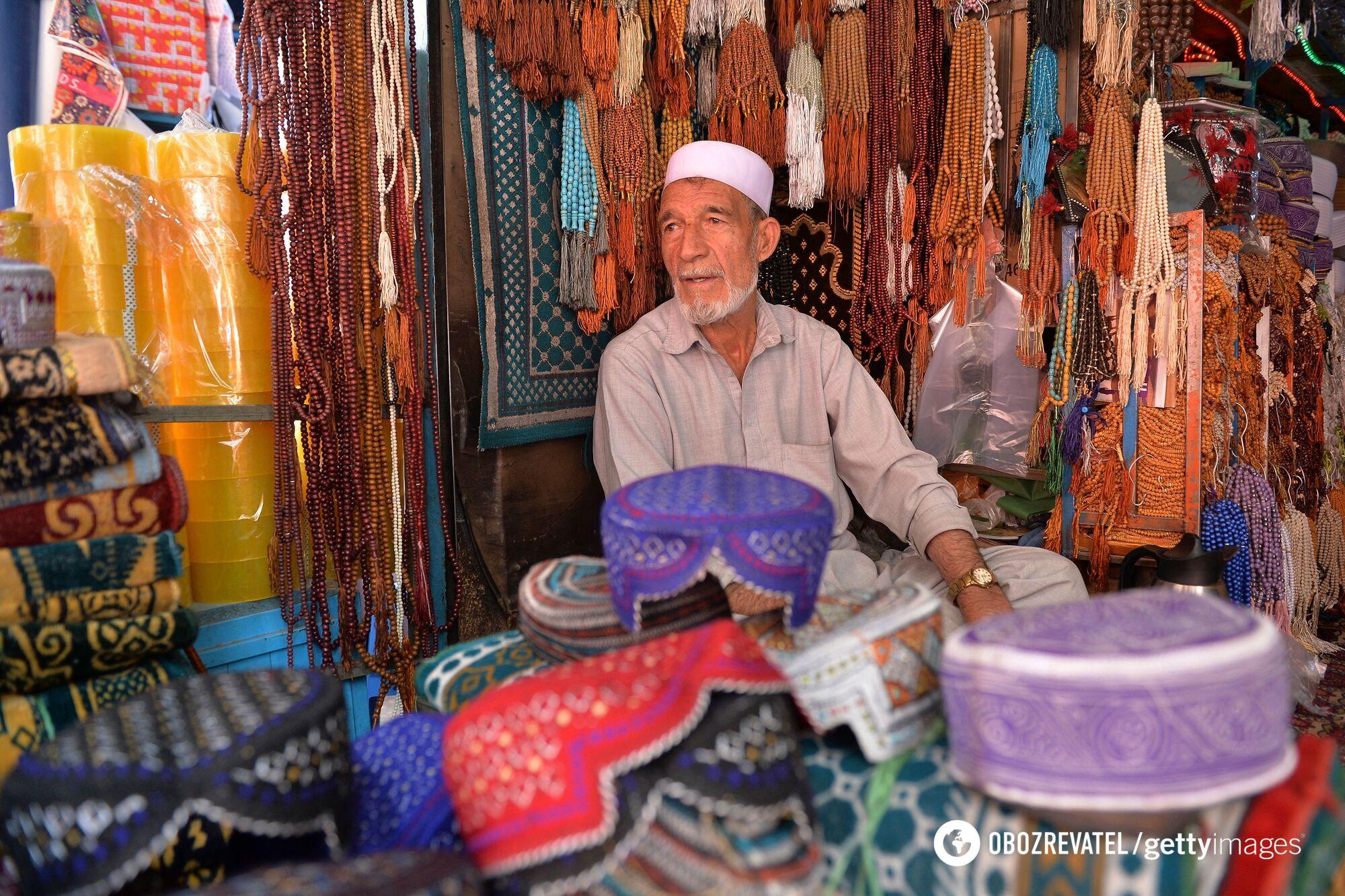 Торговец на рынке в Кабуле