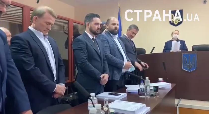 Медведчук залишиться під цілодобовим домашнім арештом ще на два місяці.