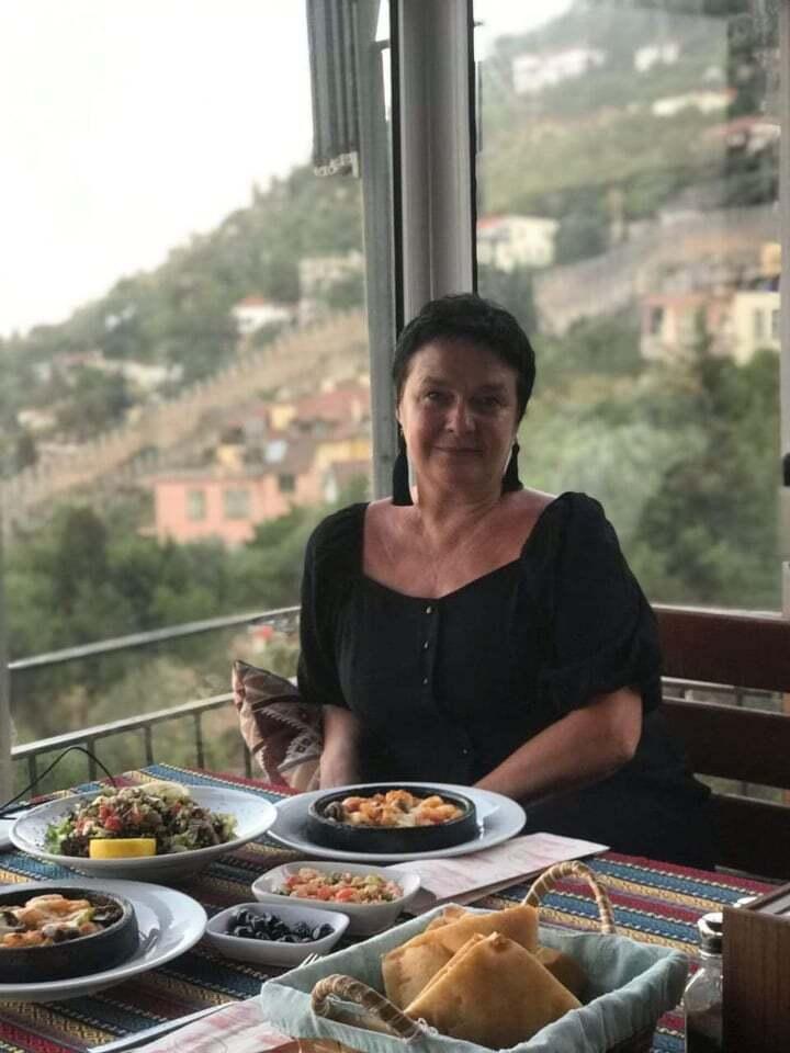 Татьяна путешествует по Турции самостоятельно. Аланию, Анталию и местные горы журналистка уже объездила, теперь мечтает побродить по Стамбулу.