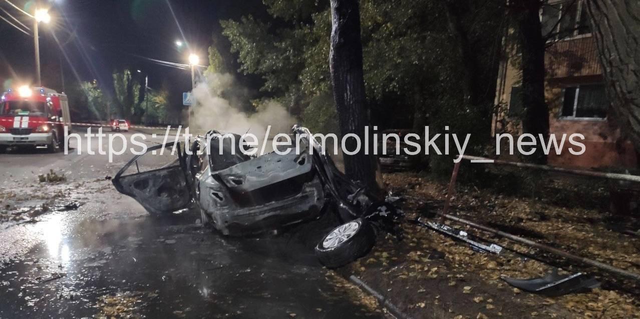 Авто полностью сгорело