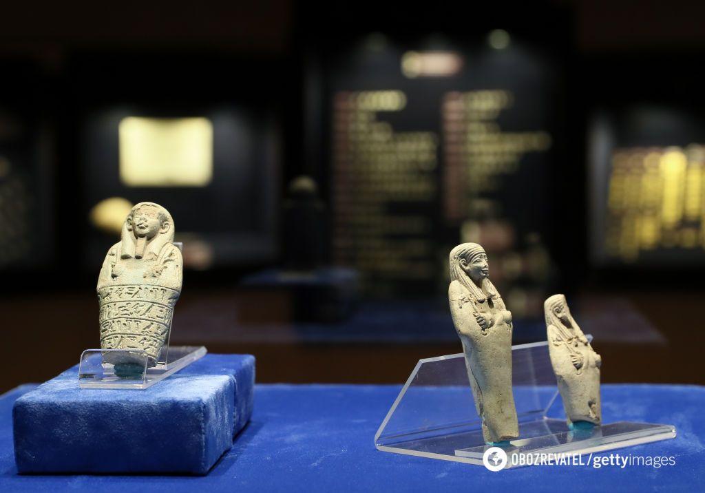 Статуэтки ушэбти выставили в музее