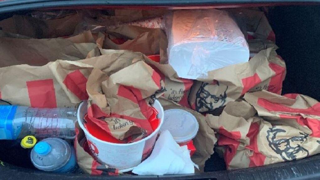 В машине нашли и пустые коробки KFC