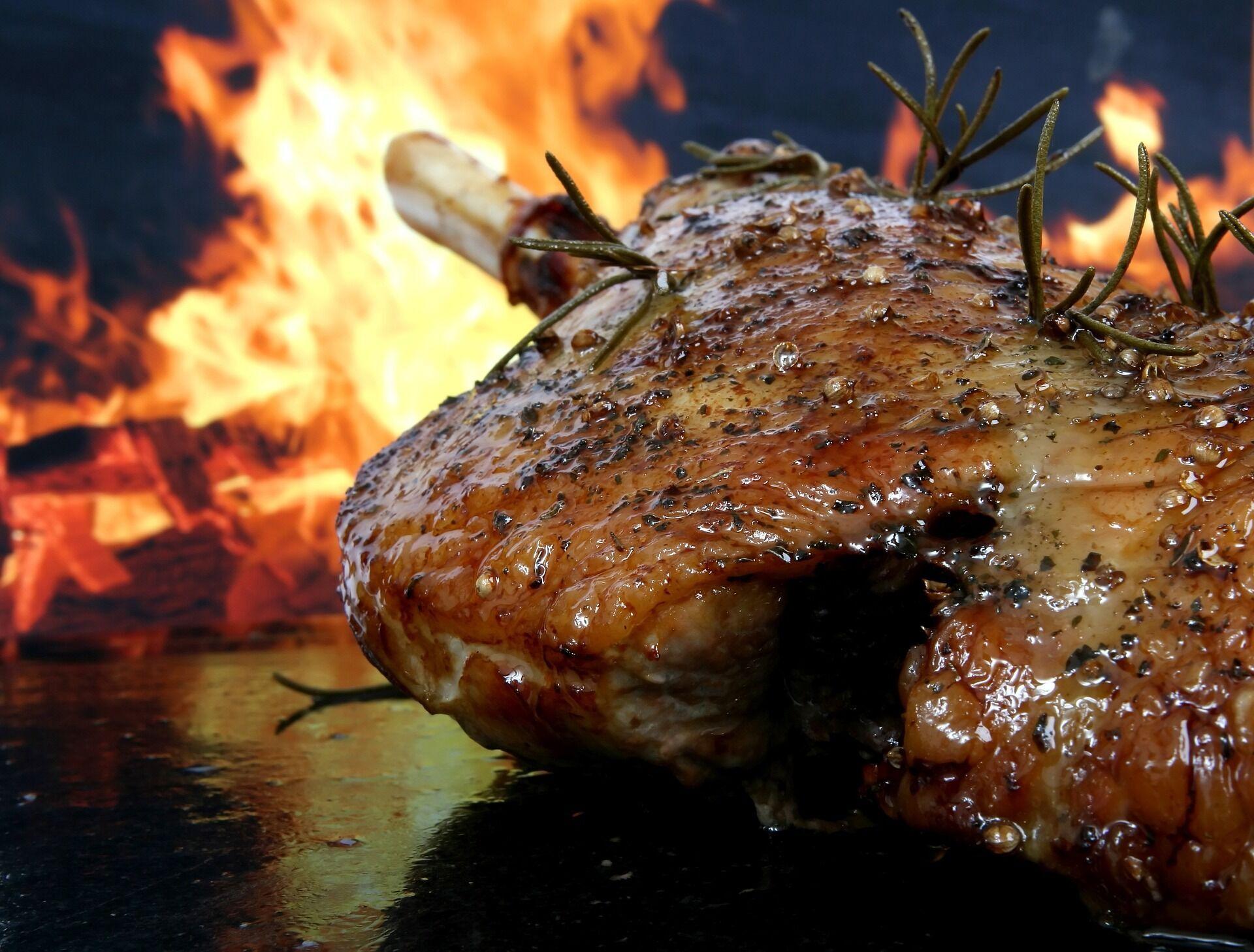 Мясо приготовленное на вине