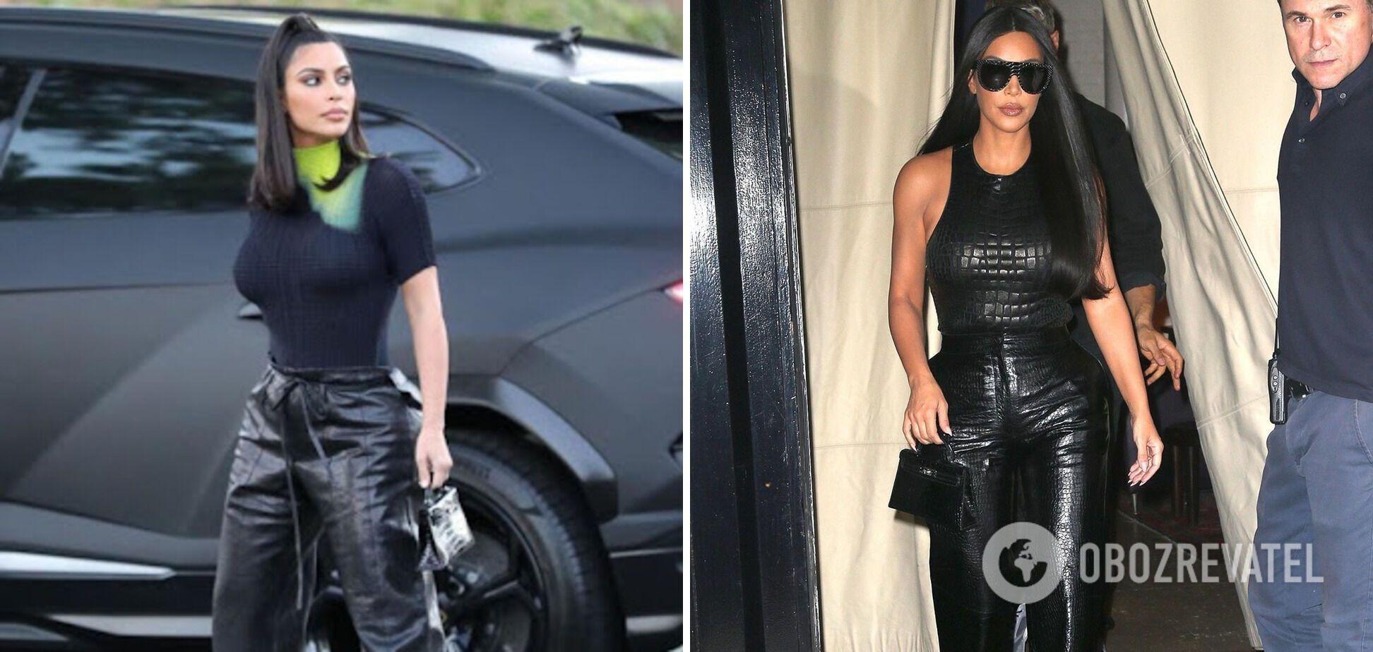 Ким Кардашьян носит кожаные штаны.