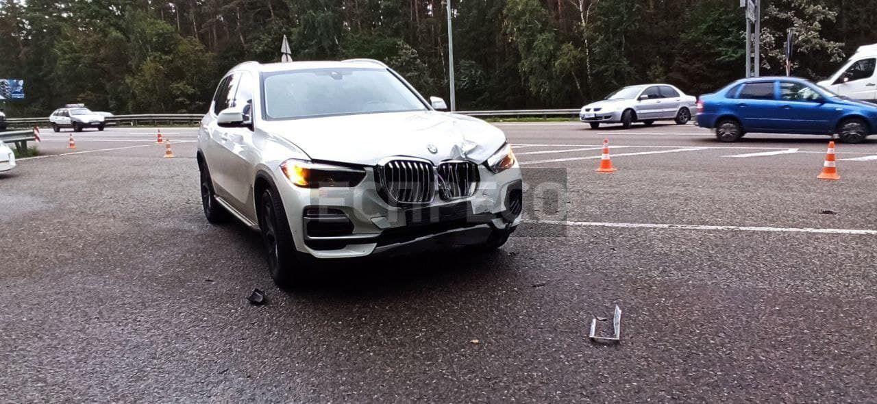BMW протаранив машину поліції.