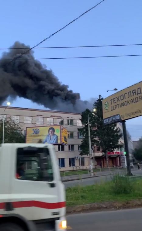 Пожар на мебельной фабрике в Черновцах.