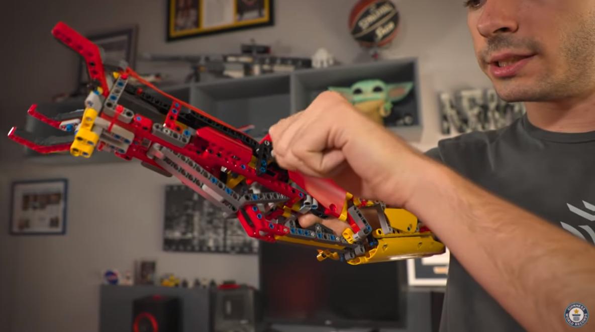 Протез з LEGO