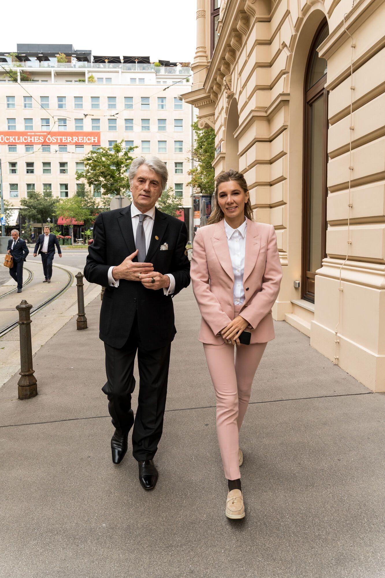 Алена Дегрик Шевцова и Виктор Ющенко накануне презентации LEO