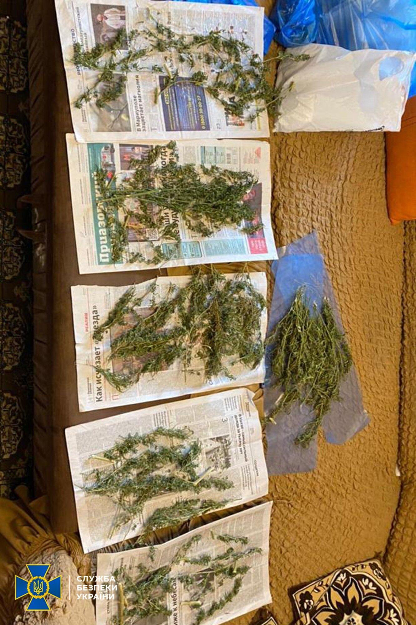 Правоохоронці виявили у наркоділків понад 3 кг канабісу