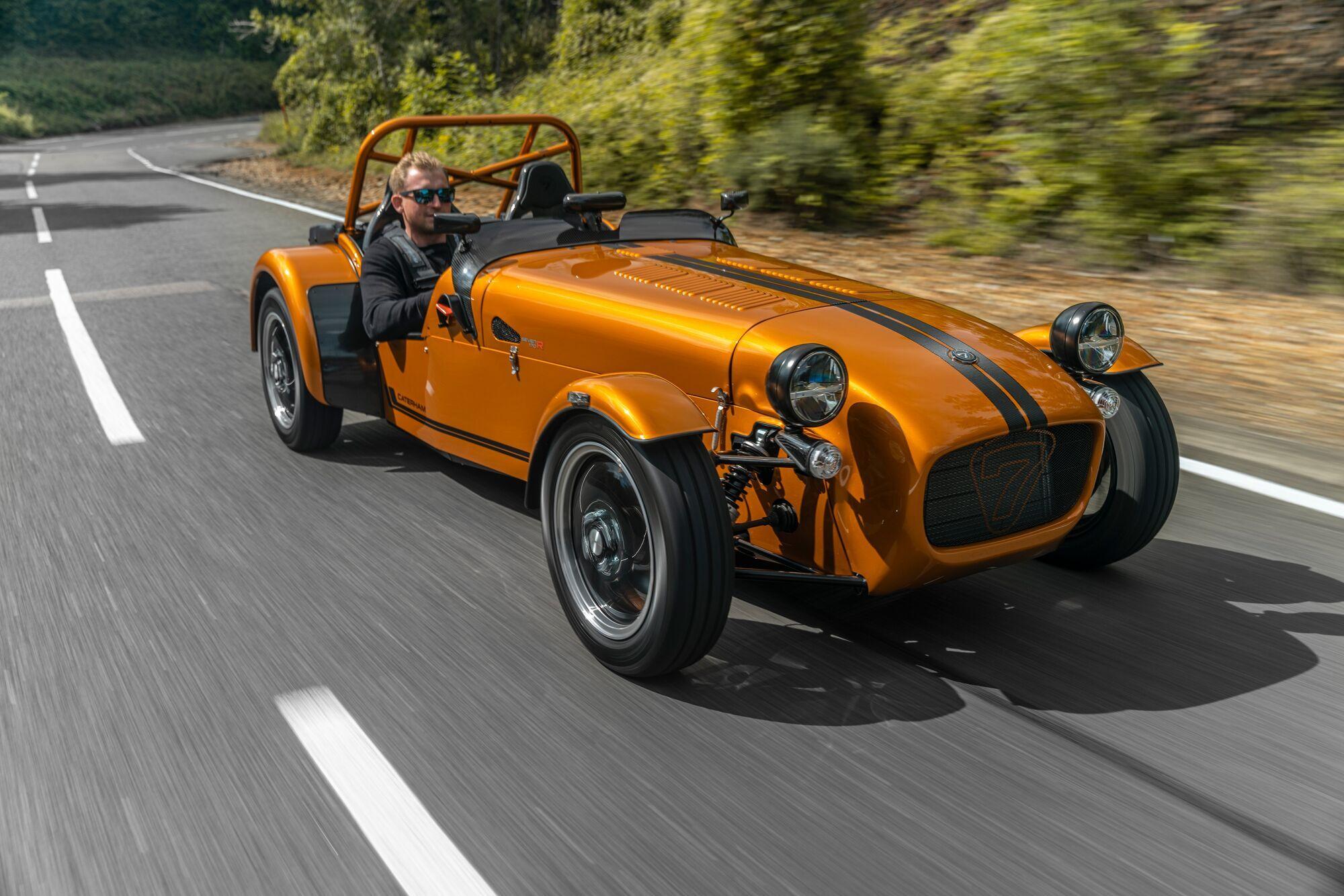 Стоимость автомобиля стартует с £22995 (26885 евро)  