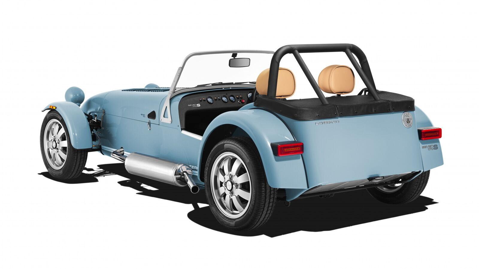 Ширина автомобиля – всего 1470 мм, что на 105 мм меньше любой другой модели компании