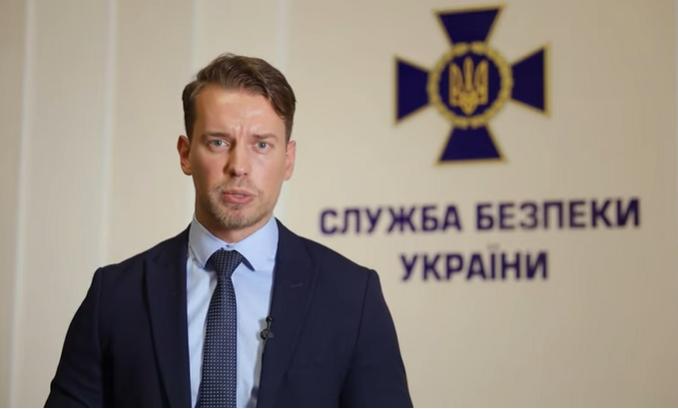 Артем Дегтяренко.