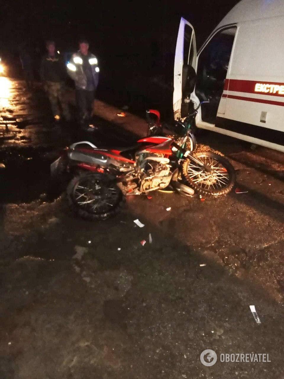 Столкнулись мотоцикл и велосипед.