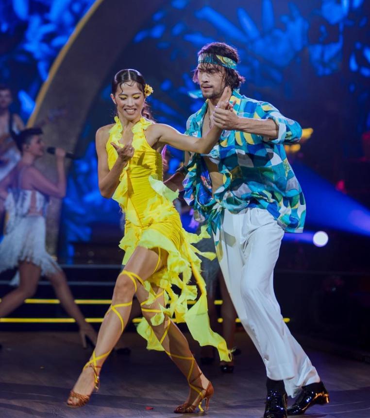 Дмитрий Каднай и Алина Ли танцевали макарену.
