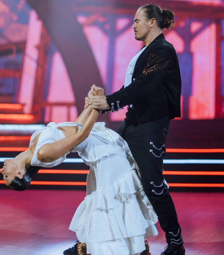 Олег Фагот Михайлюта и Екатерина Тришина показали пасадобль.