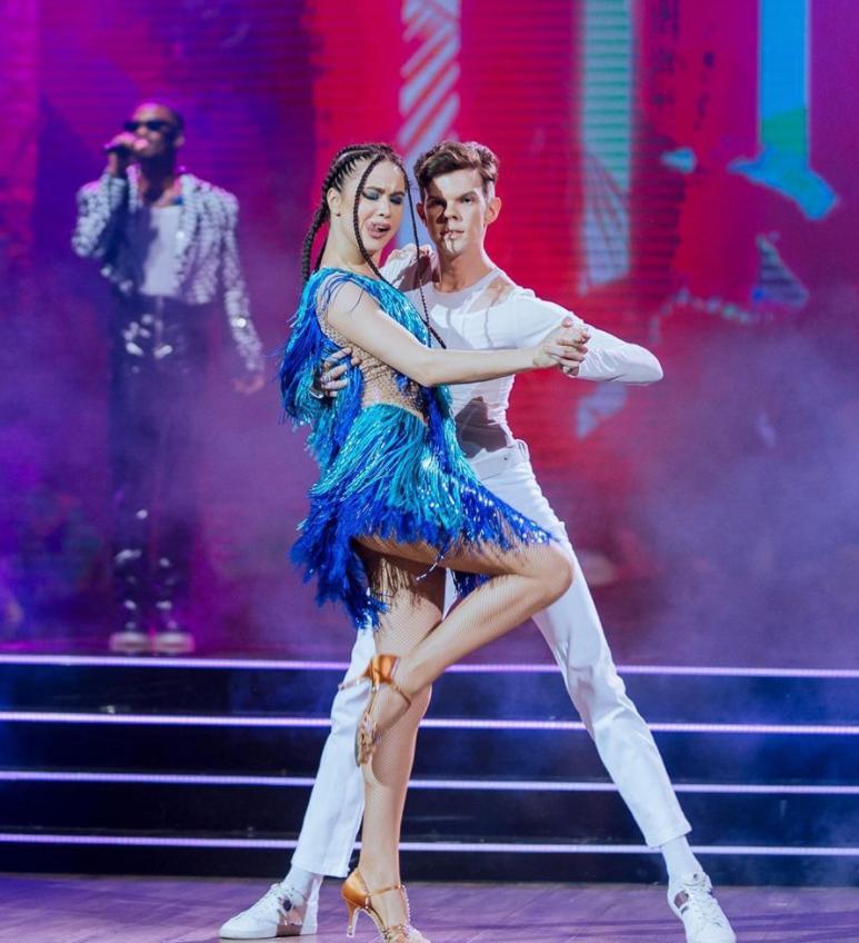 Lida Lee и Алексей Базэла показали сальсу.